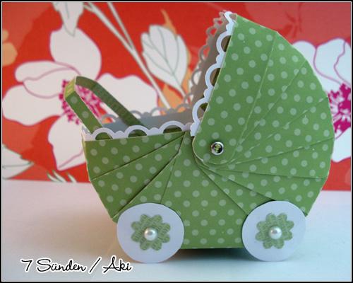 Papier-Kinderwagen